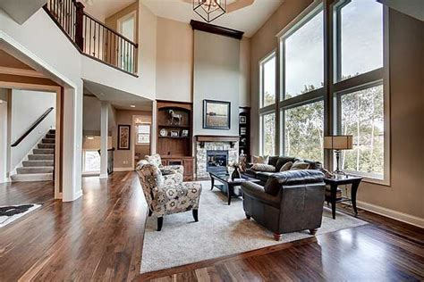 plan hs exclusive craftsman house plan  amazing great room   great rooms