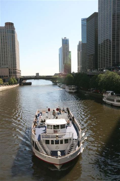 Chicago Architecture Boat Tour Expedia by Chicago River Cruise Groupon