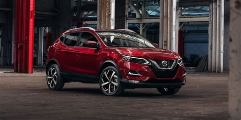 nissan rogue sport review pricing  specs