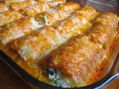 spinach lasagna rolls wroasted red bell pepper alfredo