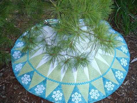 quot let it snow quot christmas tree skirt