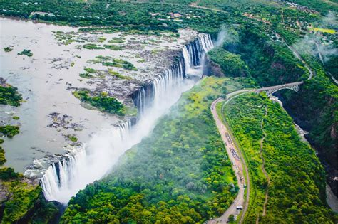 Amazing Pictures The World Most Impressive Waterfalls