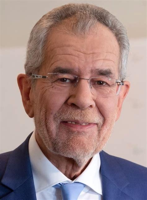 He previously served as a professor of economics at the university. Alexander Van der Bellen - Wikipedia
