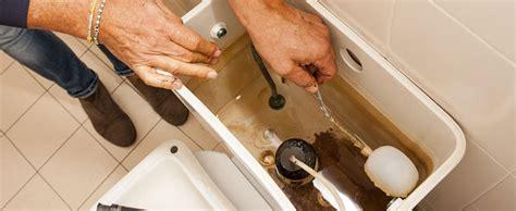 r 233 parer une fuite de chasse d eau les bons tuyaux homeserve
