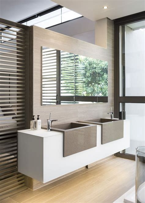 Contemporary Small Bathroom Design by 25 Best Ideas About Contemporary Bathrooms On