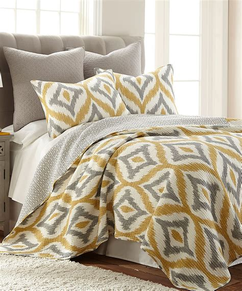Bedroom Quilt Sets by Amya Yellow Quilt Set Recipes For All Seasons And