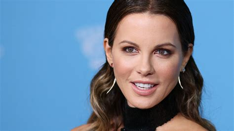 kate actress on instagram kate beckinsale joins instagram hollywood reporter