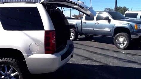 chevrolet tahoe ltz   lifted  tires chrome