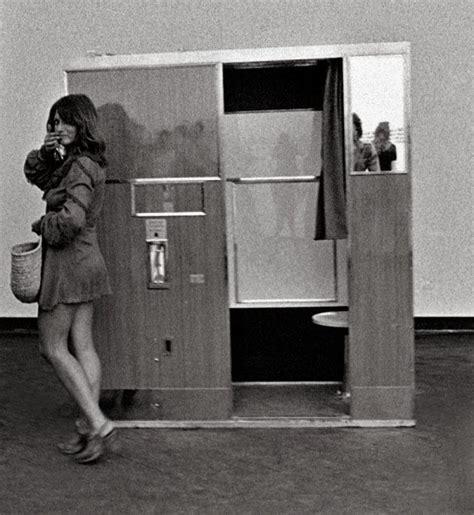 cabine fototessera roma smorfie sorrisi e acconciature l archivio dei volti