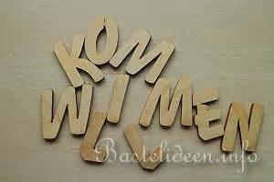 Buchstaben Holz Groß : basteln mit holz herbst laubsaegearbeit mit vorlage herbstliches willkommensschild ~ Eleganceandgraceweddings.com Haus und Dekorationen