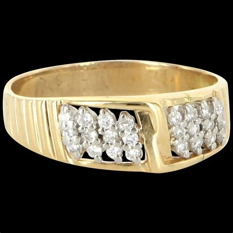 Vintage engagement and wedding rings offer an understated yet slightly fancier alternative to traditional wedding sets. Vintage 14 Karat Yellow Gold Diamond Mens Wedding Band ...