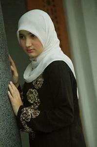 Beautiful, Nice and Muslim girls on Pinterest
