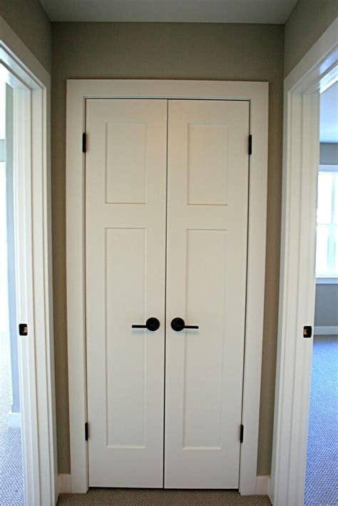 craftsmen style painted white interior doors  schlage