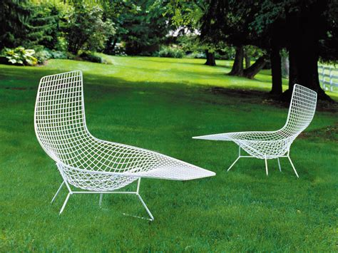 bertoia chaise buy the knoll bertoia asymmetric chaise at nest co uk