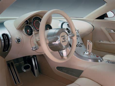 The bugatti veyron has exceptional ergonomics. Fast Cars Online: Bugatti Veyron interior
