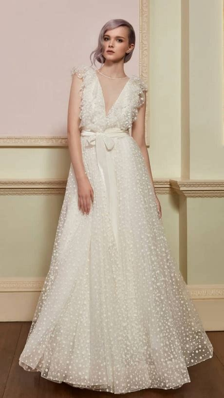Spring wedding dresses for guests 2018