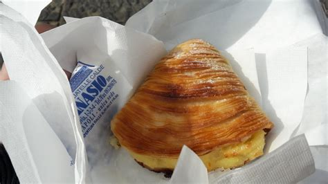 People usually take around 30 minutes to see sfogliatelle attanasio. Naples Cheat Sheet: What to Do & Where to Eat - Travel ...