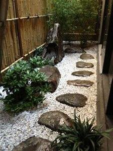 un jardin japonais dans la region lyonnaise du paysagiste With idee amenagement exterieur maison 4 jardin zen de meditation dans une cour de banlieue