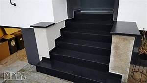 Granit Geflammt Und Gebürstet : k ln nero assoluto granit treppenstufen ~ Markanthonyermac.com Haus und Dekorationen