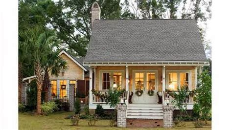 Small Bungalow House Plans southern living small cottage