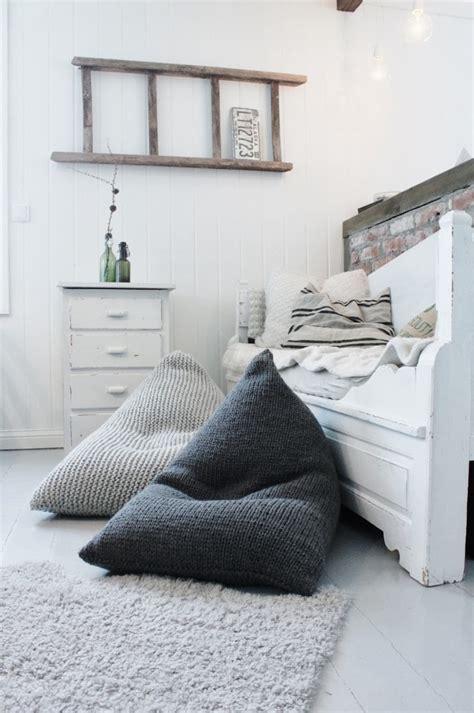 pouf chambre pouf g 233 ant tricot et marocain 233 l 233 ments d 233 co salon ou