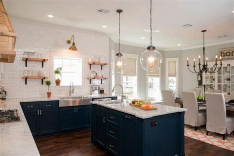 15 Behind the Scenes Secrets of HGTV's 'Fixer Upper'