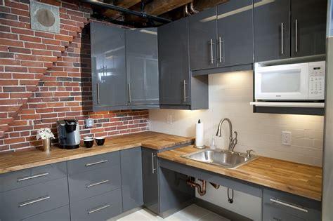 kitchen tiles idea l 39 idea contemporanea e classica cucina con mattoni e legno