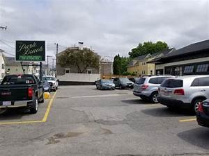 Front parking lot of the restaurant - Picture of Park ...