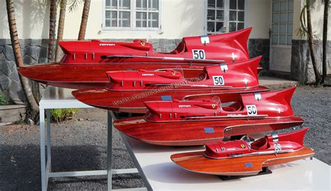 This hydrophane speedboat model is. MODEL BOAT FERRARI HYDROPLANE | Boote