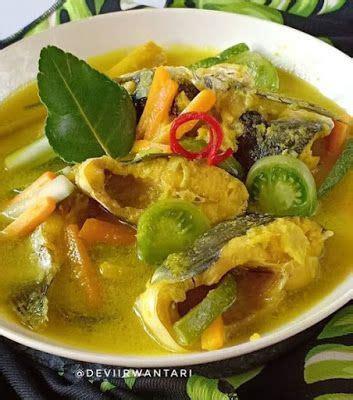 Kueh tae or kuih tair, malay language: Ikan Patin Acar Kuning di 2020 | Resep seafood, Resep ...