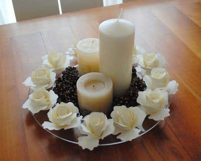 centrotavola natalizio con pigne e candele centrotavola con di carta pigne e candele