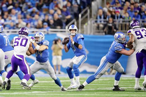 nfl schedule   lions opening  cardinals closing