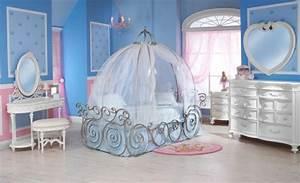 Deco Chambre Fille Princesse : decoration chambre petite fille princesse visuel 2 ~ Teatrodelosmanantiales.com Idées de Décoration