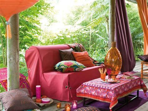 relooker un canapé en tissu 10 solutions pour customiser canapé