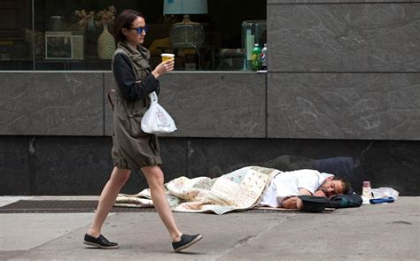 police  de blasio fight homeless lose al jazeera america