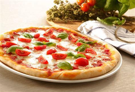 Fresh pizza   Multifry Recipes   Delonghi Australia