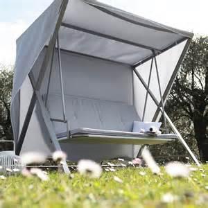 Housse Mobilier Jardin Leroy Merlin by 25 Balancelles Lits Et Hamacs De R 234 Ve Pour Une Sieste Au