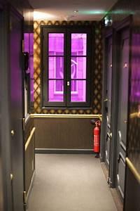 Idol Hotel Paris : idol h tel pour une nuit funky paris with a love like that blog mariage famille ~ Melissatoandfro.com Idées de Décoration