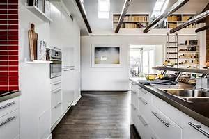 1001 conseils et idees pour amenager une cuisine moderne for Idee deco cuisine avec credence cuisine gris anthracite
