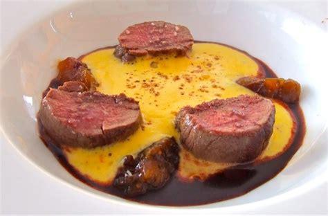 noisettes de chevreuil aux 233 pices et jus de betteraves