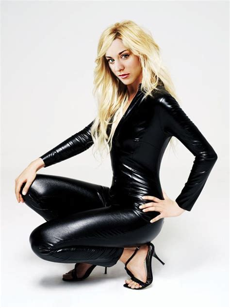 """Celebrity Leather Fashions: Kaley Cuoco, Penny of """"Big ..."""