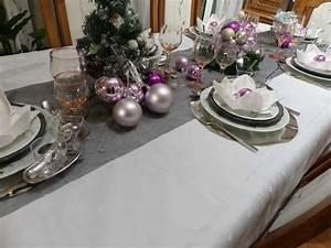Table Grise Et Blanche : nappe grise blanche ~ Teatrodelosmanantiales.com Idées de Décoration