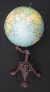 Globe Terrestre Sur Pied : globe terrestre ancien girard barrere mont sur un pied tripode d cor griffu ~ Teatrodelosmanantiales.com Idées de Décoration