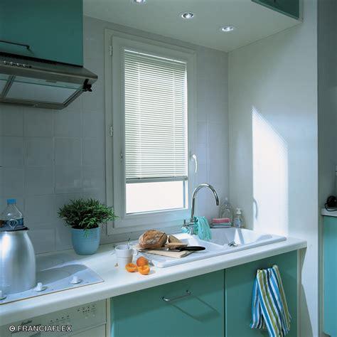 store pour fenetre cuisine fenêtre et porte fenêtre pvc avec store intégré franciaflex