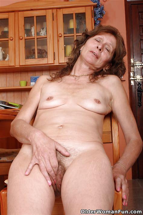 Mammas Porn Pics 57 Year Old British Granny Vikki From Olderwomanfun