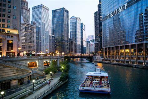chicago river architecture tour boat tours sightseeing cruises cruise along shoreline travel way ct tribune june during chicagotribune