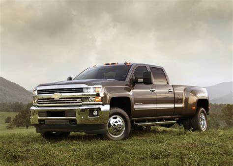 Chevy Hd Trucks by 2015 Gmc Hd 2015 Chevy Silverado Hd Details