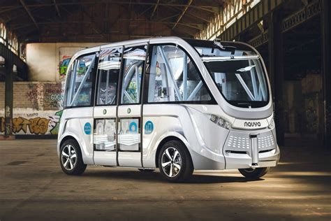 First Autonomous Buses Will Hit The Road In Spring 2016