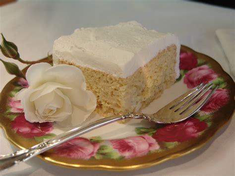 tres cuisine pastel tres leches dessert los garcia restaurant cabo san
