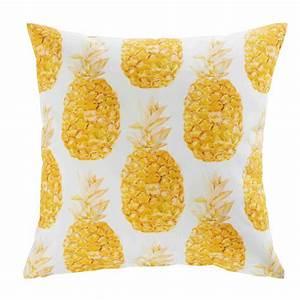 Ananas Maison Du Monde : coussin de jardin en tissu blanc imprim ananas 45x45cm abaca maisons du monde ~ Teatrodelosmanantiales.com Idées de Décoration